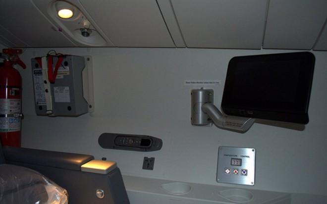Hoá ra trên máy bay còn có những phòng ngủ bí mật cho phi hành đoàn mà không phải ai cũng biết - Ảnh 14.