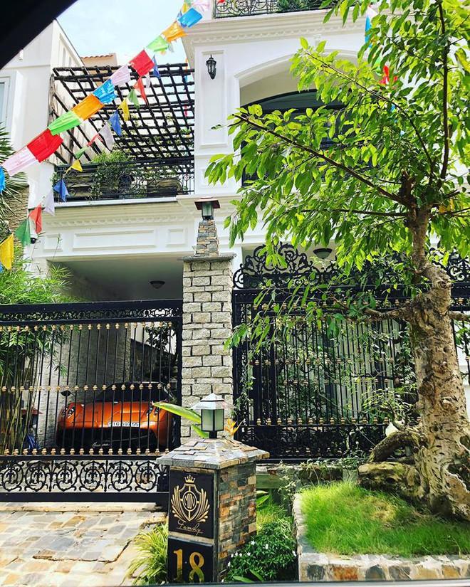 Siêu xe Thần gió đắt nhất Việt Nam chính thức được đeo biển trắng - Ảnh 1.