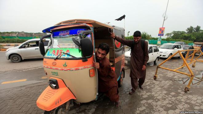 Bi kịch của những tỉ phú nghèo rớt mồng tơi ở Pakistan: Khốn đốn vì bỗng dưng... có tiền - Ảnh 2.
