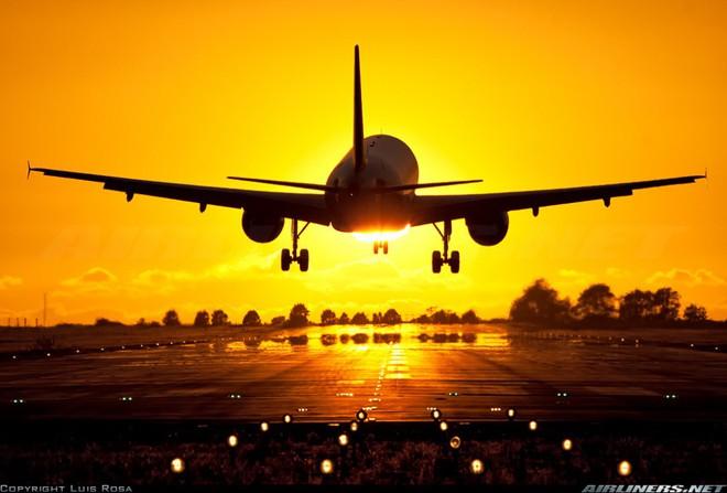 Vì sao phi công rất ghét hành khách vỗ tay khi máy bay vừa tiếp đất? - Ảnh 1.