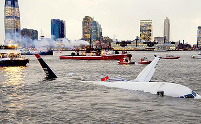 Chuyên gia hàng không chia sẻ về sự chuẩn bị cho tình huống phải hạ cánh khẩn cấp xuống nước