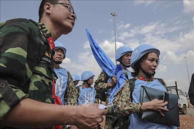 Những hình ảnh đầu tiên của các bác sĩ quân y Việt Nam tại Nam Sudan - Ảnh 6.