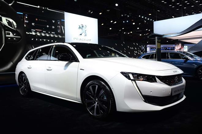 Truyền thông Anh: Chúng tôi xếp VinFast ngang BMW, hãng xe Audi, Ferrari... trong danh sách mẫu xe hấp dẫn nhất Paris Motor Show - Ảnh 6.