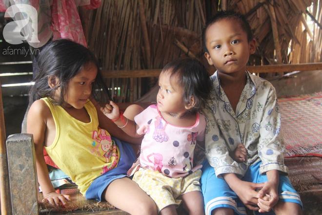 Hai lần đẻ rớt tại nhà, 4 đứa trẻ đói ăn bên người mẹ bầu 8 tháng không thể mượn được 500 ngàn để đi bệnh viện - Ảnh 5.