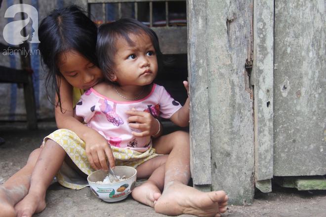 Hai lần đẻ rớt tại nhà, 4 đứa trẻ đói ăn bên người mẹ bầu 8 tháng không thể mượn được 500 ngàn để đi bệnh viện - Ảnh 6.