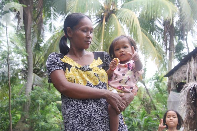 Bị chỉ trích vì nhà nghèo lại đẻ quá nhiều con, mẹ bầu 8 tháng có hoàn cảnh khó khăn cho biết sẽ triệt sản sau khi sinh - Ảnh 6.