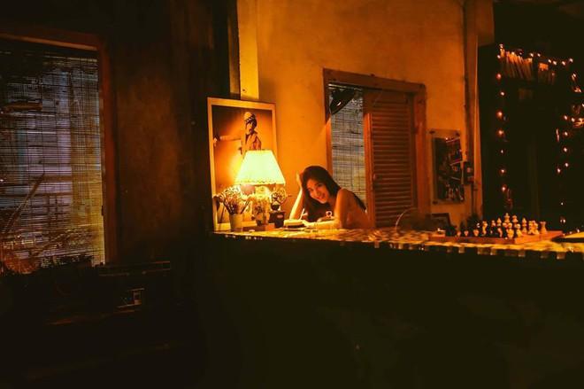 Bộ ảnh tuổi 19 của Thuỳ Linh: Xinh đẹp và dịu dàng đúng kiểu uống nhầm ánh mắt, cơn say theo cả đời - Ảnh 6.