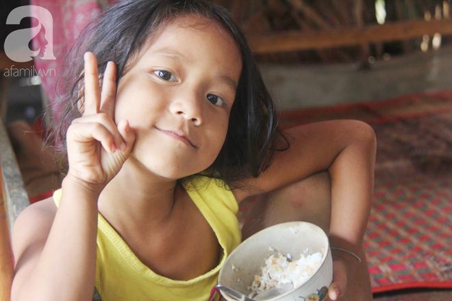 Hai lần đẻ rớt tại nhà, 4 đứa trẻ đói ăn bên người mẹ bầu 8 tháng không thể mượn được 500 ngàn để đi bệnh viện - Ảnh 8.