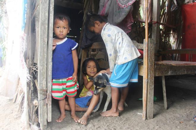 Bị chỉ trích vì nhà nghèo lại đẻ quá nhiều con, mẹ bầu 8 tháng có hoàn cảnh khó khăn cho biết sẽ triệt sản sau khi sinh - Ảnh 8.