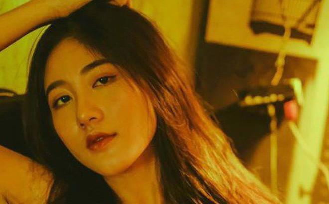 """Bộ ảnh tuổi 19 của Thuỳ Linh: Xinh đẹp và dịu dàng đúng kiểu """"uống nhầm ánh mắt, cơn say theo cả đời"""""""