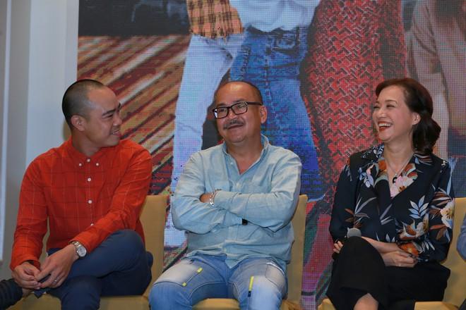 NSND Lê Khanh tái xuất màn ảnh sau 10 năm, làm vợ danh hài Hoàng Sơn - Ảnh 3.