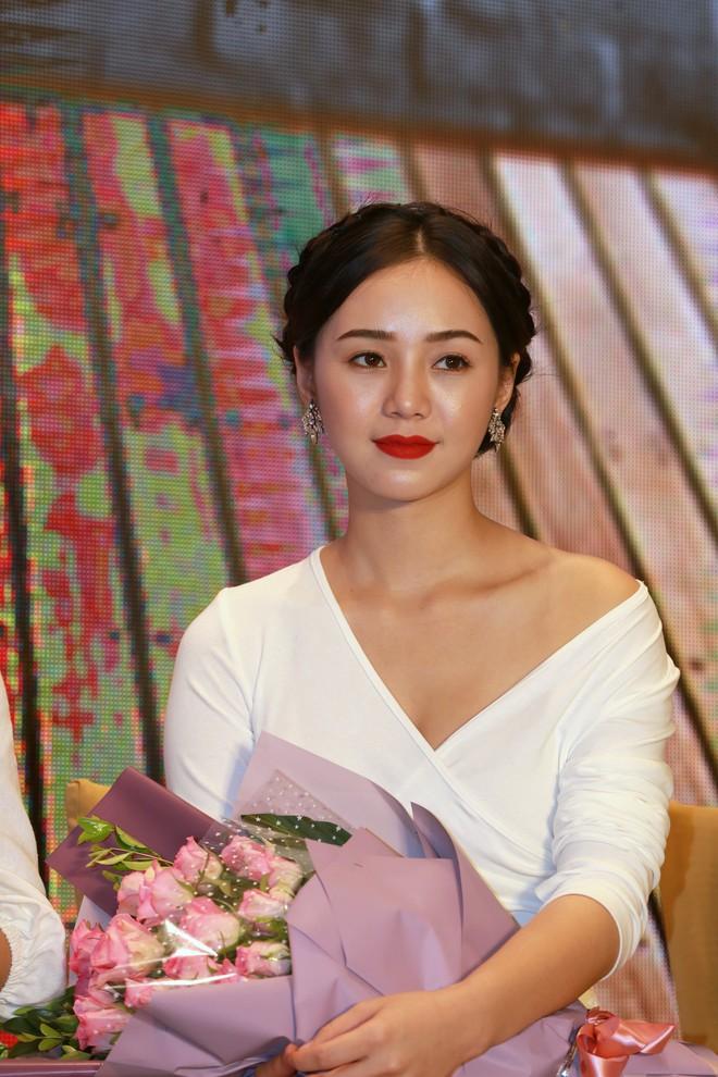 NSND Lê Khanh tái xuất màn ảnh sau 10 năm, làm vợ danh hài Hoàng Sơn - Ảnh 4.
