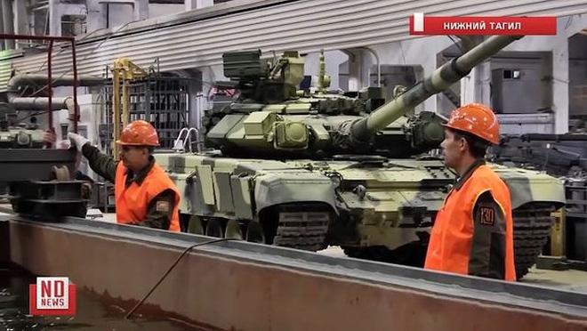 Những chiếc xe tăng T-90S Việt Nam đã xuất hiện trên thao trường Nga - Ảnh 4.