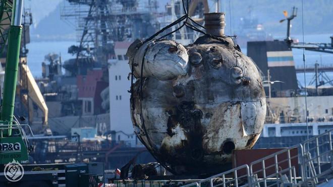 Tàu sân bay Kuznetsov duy nhất của Nga tiếp tục gặp thảm họa, may không chìm - Ảnh 3.