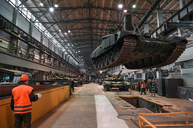 Những chiếc xe tăng T-90S Việt Nam đã xuất hiện trên thao trường Nga - Ảnh 15.