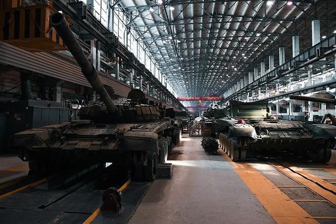 Những chiếc xe tăng T-90S Việt Nam đã xuất hiện trên thao trường Nga - Ảnh 10.