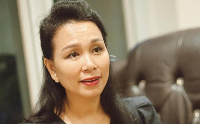 """Huấn luyện viên sức khỏe đầu tiên ở Việt Nam: """"Phụ nữ hi sinh không khác gì lò xo bị nén, đàn ông bận mơ tưởng đánh mất hiện tại"""""""
