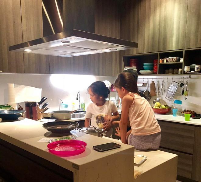 Chốn đi về của 3 mẹ con diva Hồng Nhung sau khi ly hôn với chồng Tây - Ảnh 3.
