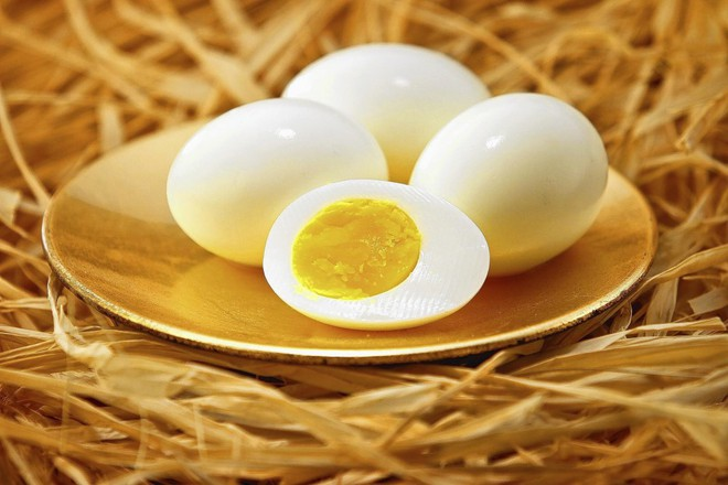 10 thực phẩm giúp quý ông càng ăn càng khỏe: Dù ở lứa tuổi nào cũng nên ăn thường xuyên - Ảnh 3.