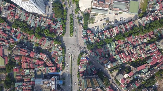 Toàn cảnh tuyến đường 2,2km đắt nhất hành tinh ở Thủ đô - Ảnh 8.