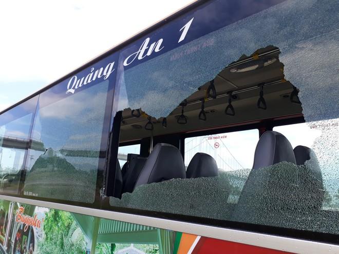 Chủ tịch Đà Nẵng ra công văn khẩn yêu cầu CATP xử lý thanh niên cầm dao tấn công, ném đá xe buýt  - Ảnh 2.