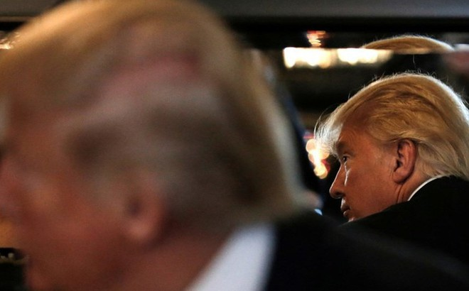 """Tổng thống Putin khiến ông Donald Trump """"điếng người"""" với chỉ điểm sốc"""