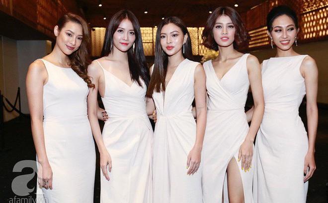 Bạn gái tin đồn của An Nguy cùng Á hậu Huyền My và dàn phụ dâu xuất hiện tại tiệc cưới Lan Khuê - Tuấn John