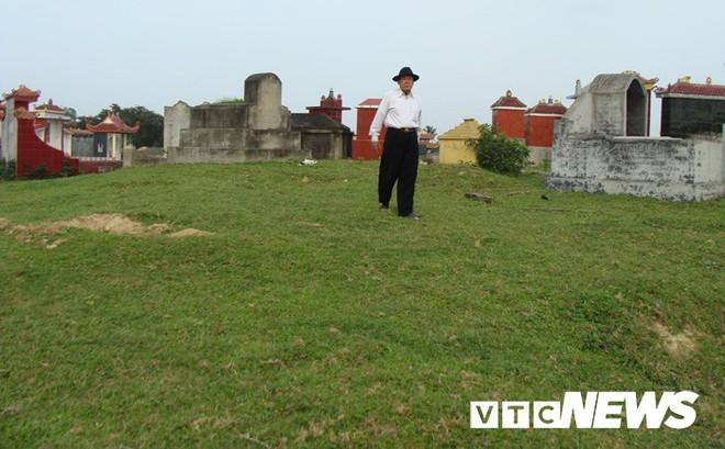 Kinh ngạc trước khu nghĩa địa toàn mộ cổ khổng lồ chứa kho báu ở Hải Dương - Ảnh 3.