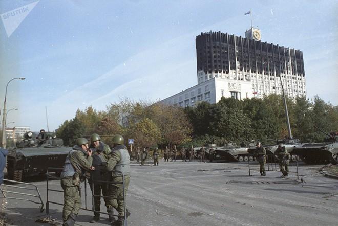 Nhà báo Canada kể về trận mưa đạn rung chuyển nước Nga trong vụ chính biến năm 1993 - Ảnh 8.