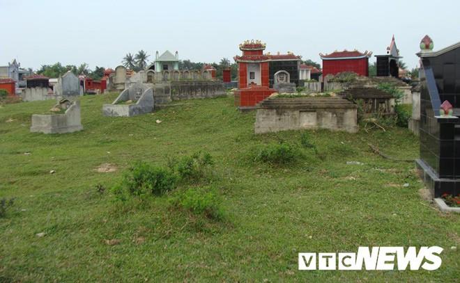 Kinh ngạc trước khu nghĩa địa toàn mộ cổ khổng lồ chứa kho báu ở Hải Dương - Ảnh 4.