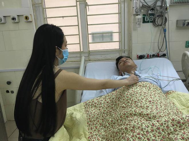 Tuấn Hưng nhập viện sau khi liveshow bị hủy đột ngột, sát giờ diễn - Ảnh 1.