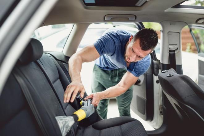 Hóa ra xe ô tô mà chúng ta sử dụng thường ngày lại bẩn hơn cả nhà vệ sinh - Ảnh 4.