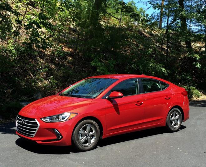 Đây là 10 mẫu sedan đáng mua nhất hiện nay do tạp chí uy tín Mỹ bình chọn - Ảnh 7.