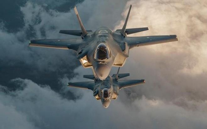 """TT Mỹ Donald Trump đã ra lệnh, F-35 sẽ bay """"rợp trời"""" Syria, S-300 Nga hãy chờ đấy!"""