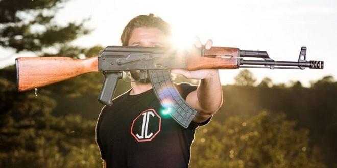 AKG-47: Súng trường tấn công Kalashnikov phiên bản Mỹ - Ảnh 1.