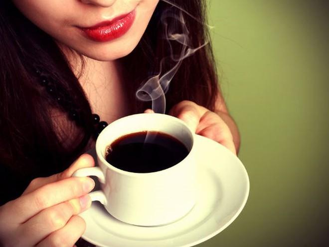 Cà phê kết hợp với dầu dừa có lợi thế nào cho sức khỏe? - Ảnh 1.