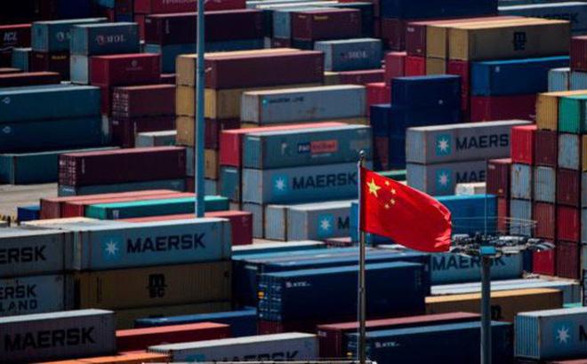 """Tuyên bố """"kiên cường"""" trước đòn thương mại của Mỹ nhưng hành động của TQ cho thấy điều ngược lại"""