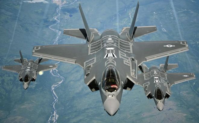 """Tiêm kích """"tật nguyền"""" F-35 Mỹ đánh S-300 Nga: Chuyện không tưởng?"""