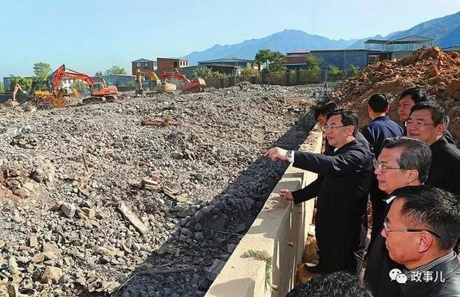 """Xây dựng trái phép trên """"Long mạch"""", hàng loạt quan chức Trung Quốc ngã ngựa - Ảnh 2."""
