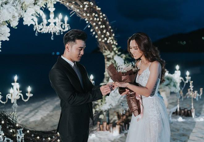 Sinh con trước, kết hôn sau: Trình tự tình yêu quen thuộc của sao Việt - Ảnh 9.