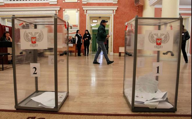 """Quan chức Ukraine: Chỉ có Chúa và bác sĩ tâm thần mới hiểu được """"tỉ lệ bỏ phiếu cao"""" mà người Nga vẽ ra"""