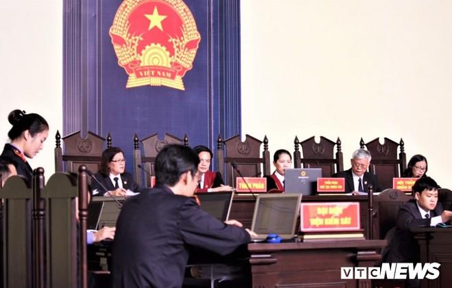 Ông trùm đường dây đánh bạc khai biếu hàng chục tỷ đồng cho cựu Trung tướng Phan Văn Vĩnh - Ảnh 1.