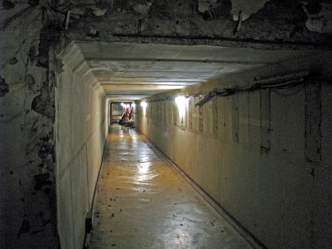 Sức mạnh khủng của hầm trú ẩn Đông Đức: Bom nguyên tử triệu tấn TNT không thể hạ gục! - Ảnh 6.