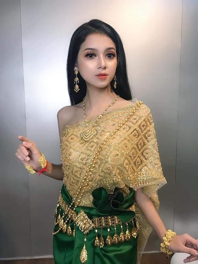Mới xuất hiện một cô gái người Khmer xinh đẹp hết nấc khiến dân mạng tưởng nhầm là con lai - Ảnh 2.