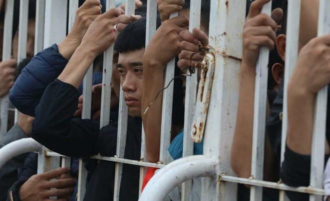 """Tờ báo hàng đầu Thái Lan ngỡ ngàng, chê vé ở Việt Nam """"quá đắt"""" - Ảnh 7."""