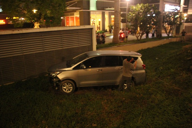 Lời khai của tài xế ô tô tông hàng loạt xe máy khiến 5 người thương vong ở Sài Gòn - Ảnh 1.