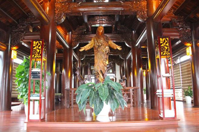 Ngắm cảnh xa hoa bên trong ngôi nhà gỗ trăm tỷ của đại gia Hà Tĩnh - Ảnh 22.