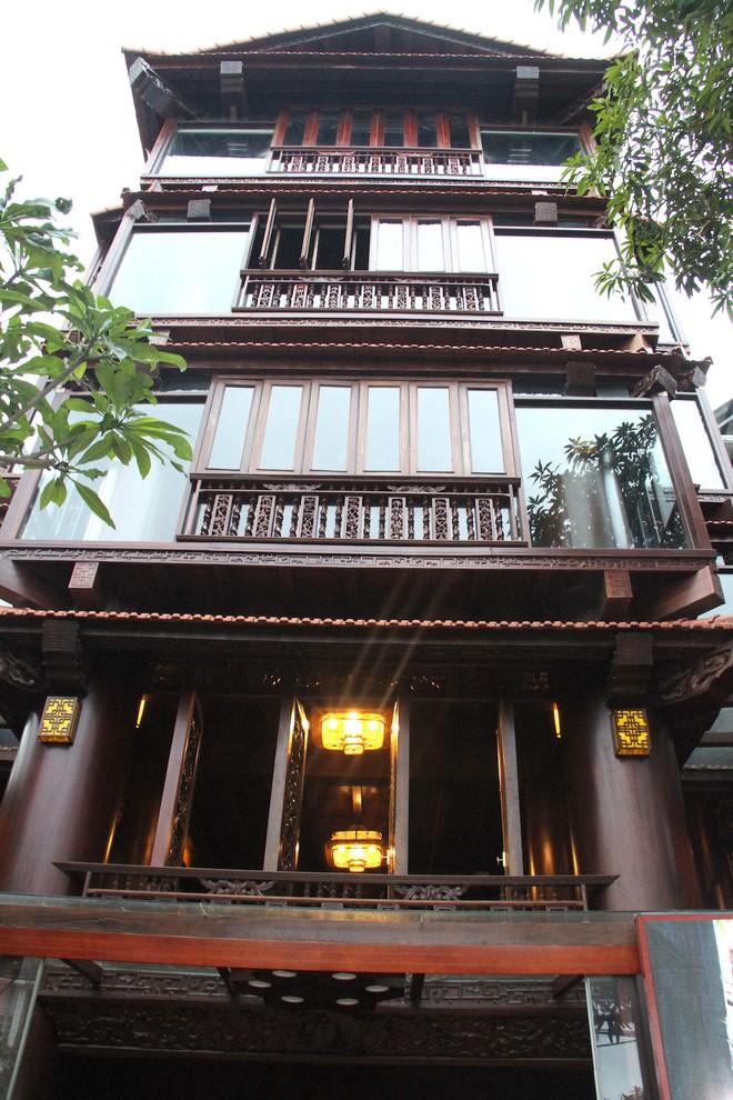 Ngắm cảnh xa hoa bên trong ngôi nhà gỗ trăm tỷ của đại gia Hà Tĩnh - Ảnh 5.