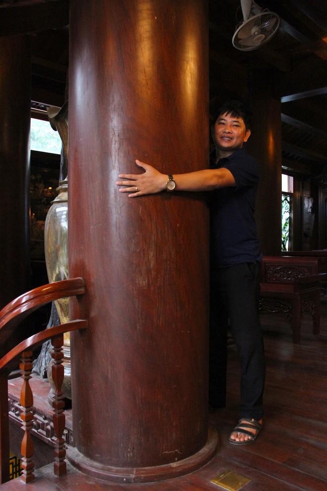 Ngắm cảnh xa hoa bên trong ngôi nhà gỗ trăm tỷ của đại gia Hà Tĩnh - Ảnh 7.