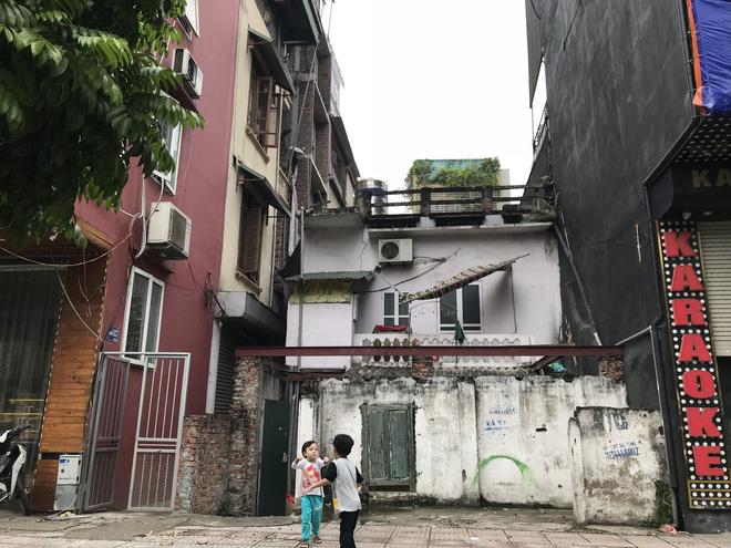Những căn nhà quan tài, mặt tiền 1 mét ở phố mới Hà Nội - Ảnh 8.